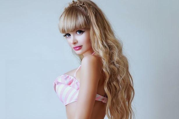 Nguoi mau Nga co ngoai hinh nhu bup be Barbie hinh anh