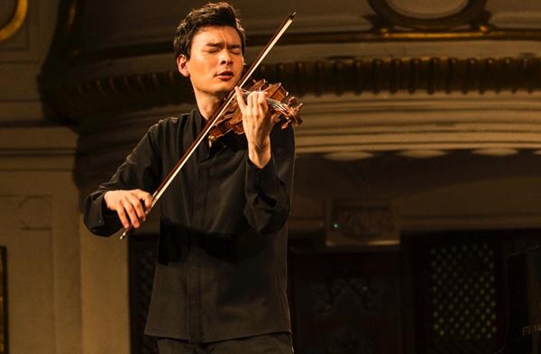 Tieng violin cua nghe si goc Han chinh phuc khan gia Viet hinh anh