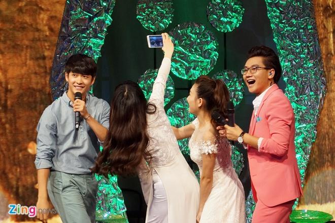 Kang Tae Oh hon Nha Phuong tren song truyen hinh hinh anh 10
