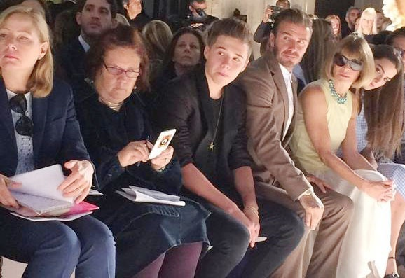 David Beckham va con trai ung ho Victoria ra mat bo suu tap hinh anh