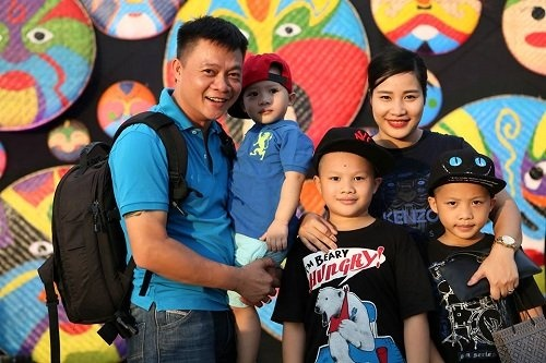 BTV Quang Minh: 'Toi la nguoi rat si dien' hinh anh 2