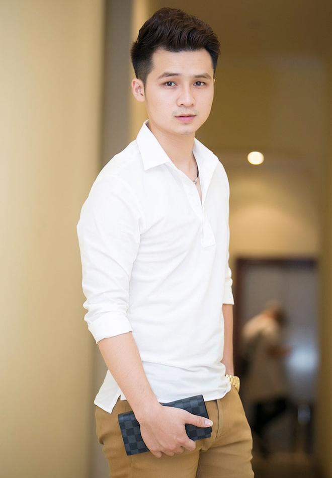 Duong Hoang Yen nhi nhanh ben Uyen Linh hinh anh 6
