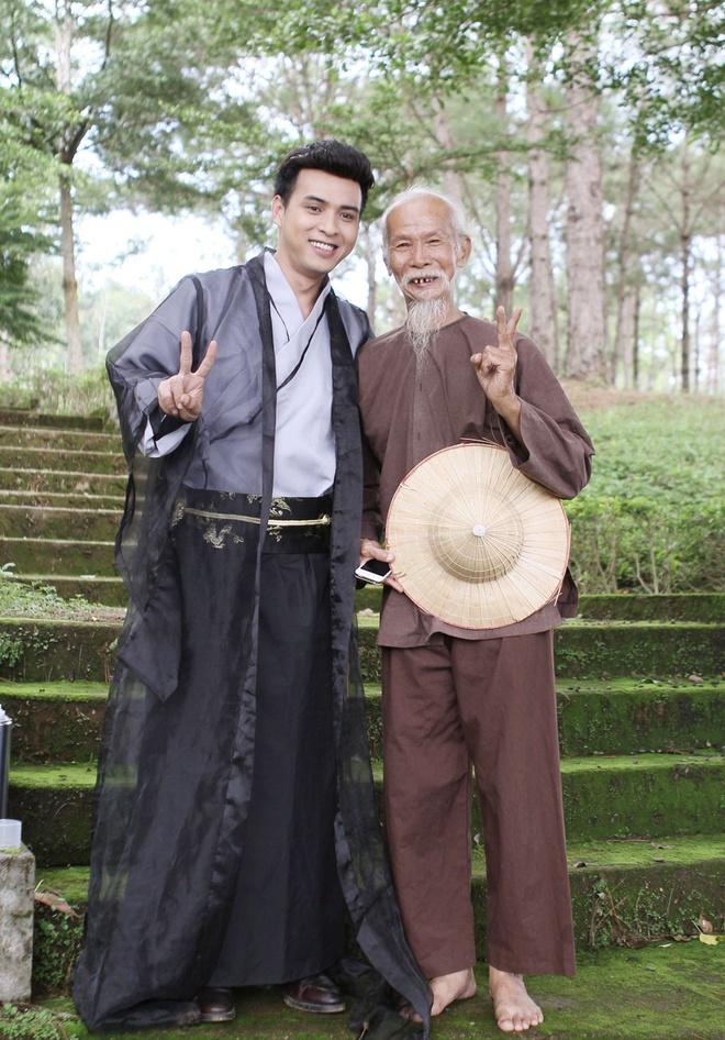 Ho Quang Hieu hoa trang 6 tieng cho vai hiep khach hinh anh 6
