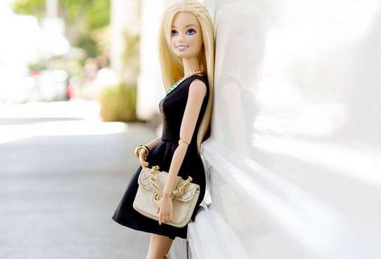 Bup be Barbie sanh dieu khien hang trieu nguoi me hinh anh