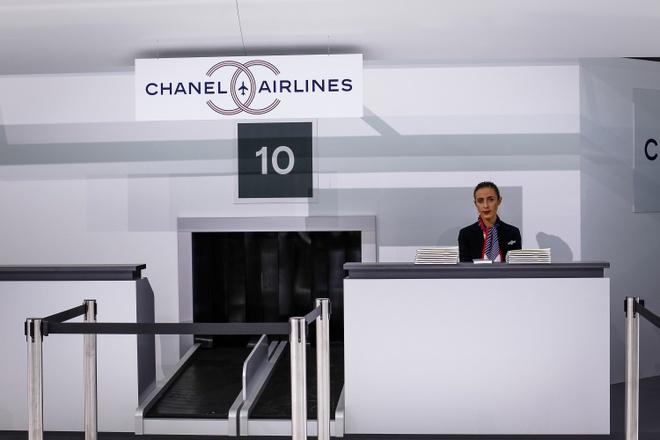 Chanel bien san dien thanh san bay hoanh trang hinh anh 3