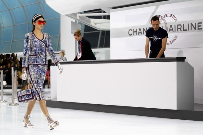 Chanel bien san dien thanh san bay hoanh trang hinh anh 7