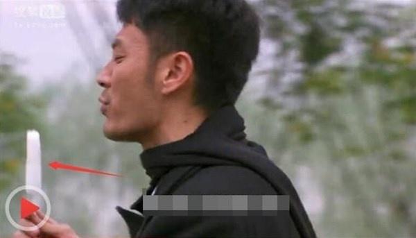 Bat loi ngo ngan trong phim Hoa ngu hinh anh 6
