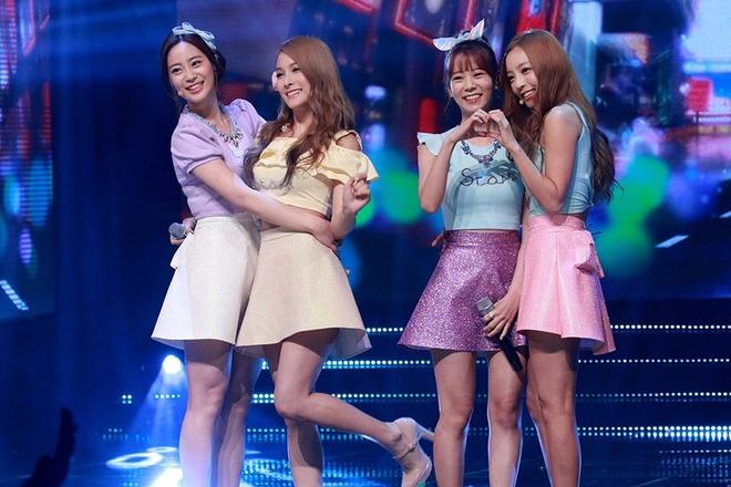 Nhung nhom nu Kpop co ve ngoai dong deu, xinh dep noi troi hinh anh 8 Dù khi còn 5 thành viên hay lúc Jiyoung, Nicole rời nhóm, Youngji được lựa chọn, KARA cũng có đội hình xinh đẹp nổi trội.