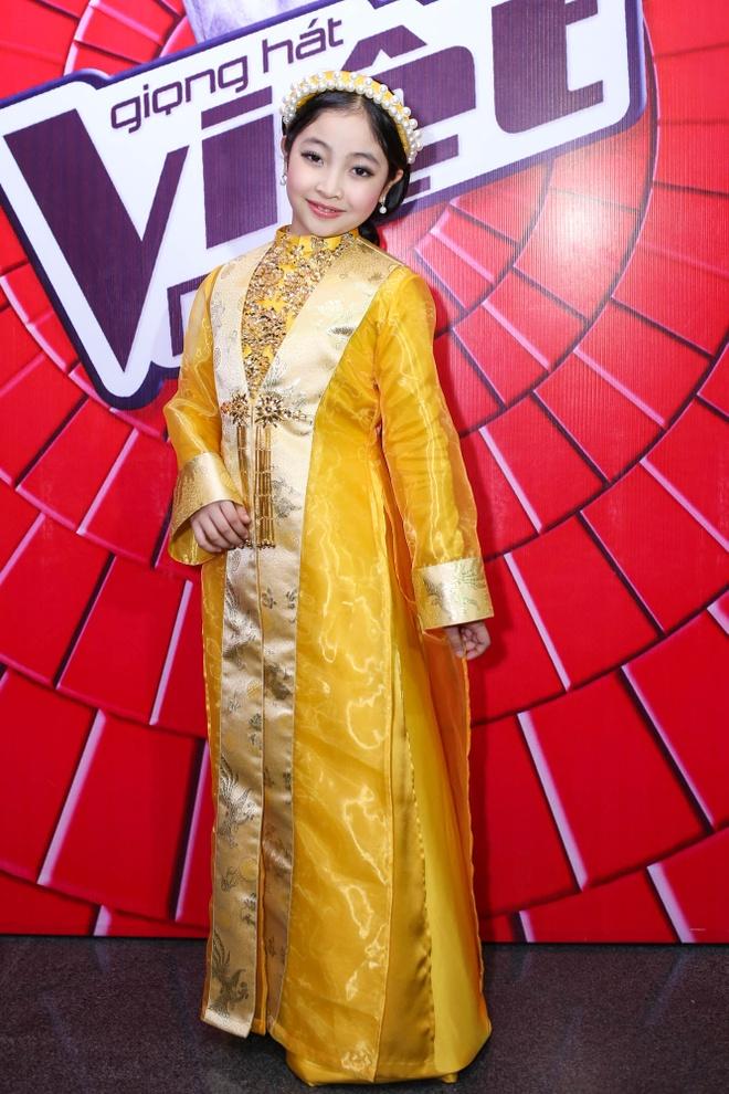Be 9 tuoi Hong Minh dang quang Giong hat Viet nhi 2015 hinh anh 10