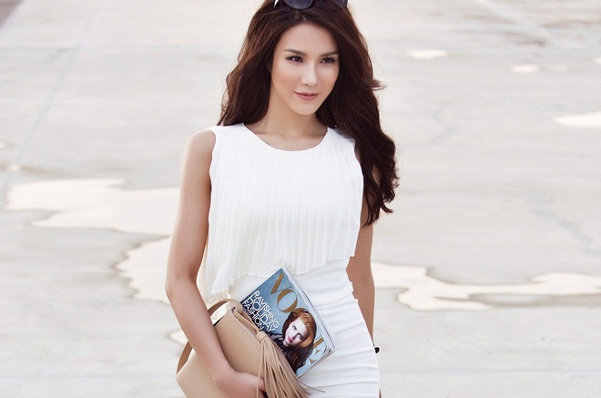 Diep Lam Anh goi cam xuong pho hinh anh
