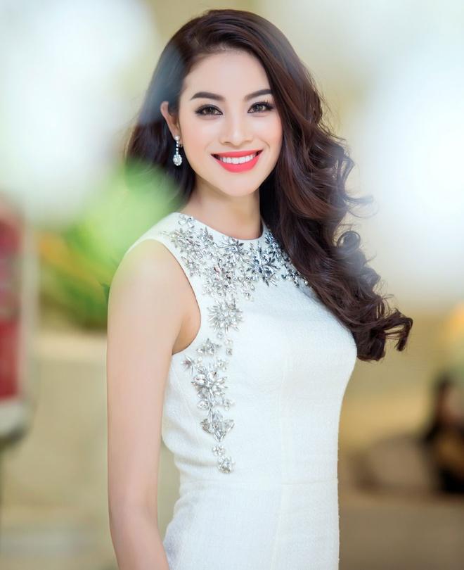 Hoa hau Pham Huong rang ro o Ha Noi hinh anh 3