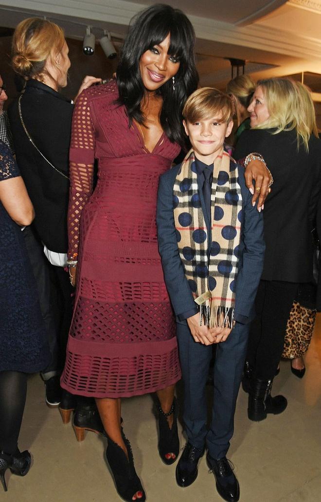 Victoria Beckham ho tong con trai di su kien hinh anh 5