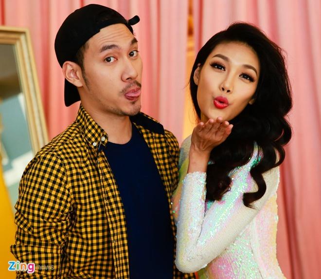 Lan Khue tat bat thu vay ao du thi Hoa hau The gioi 2015 hinh anh 8
