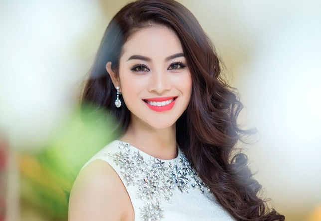 Anh Pham Huong duoc yeu thich nhat o Miss Universe hinh anh