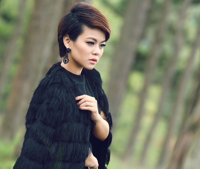Hai Yen quay MV lang man o doi thong Da Lat hinh anh 1