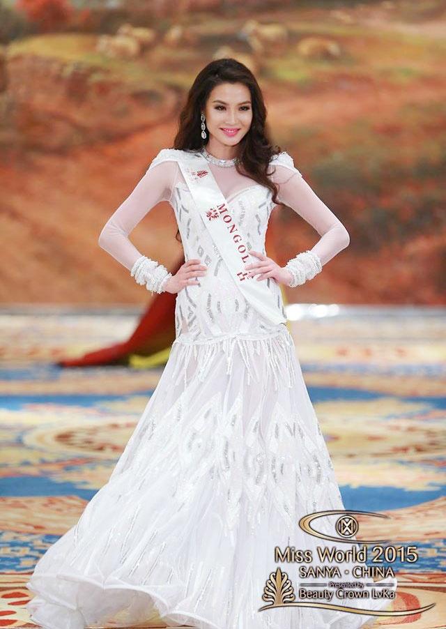 Vay da hoi cua Lan Khue vao top 10 Miss World hinh anh 3