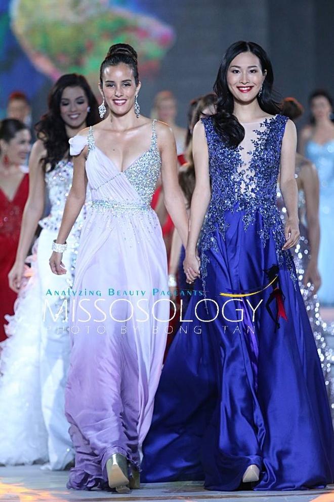 Lan Khue long lay tren san khau tong duyet cua Miss World hinh anh 6