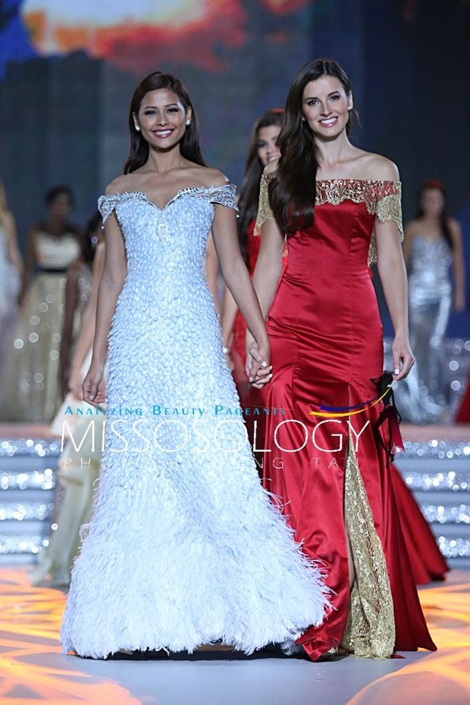 Lan Khue long lay tren san khau tong duyet cua Miss World hinh anh 7
