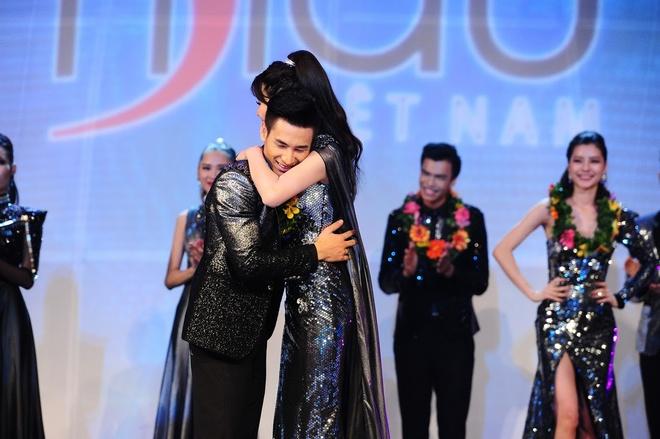 Khoanh khac dang quang Sieu mau Viet Nam 2015 hinh anh