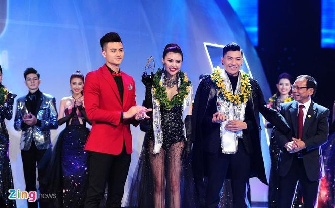 Nam sinh San khau Dien anh dang quang Sieu mau Viet Nam 2015 hinh anh 7