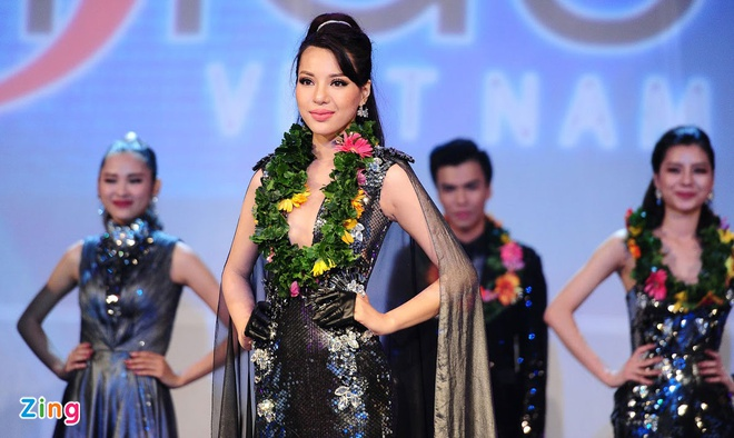 Nam sinh San khau Dien anh dang quang Sieu mau Viet Nam 2015 hinh anh 4