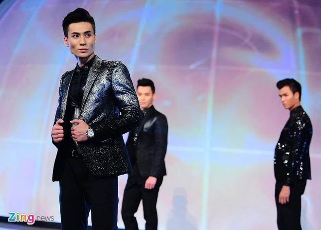 Nam sinh San khau Dien anh dang quang Sieu mau Viet Nam 2015 hinh anh 2
