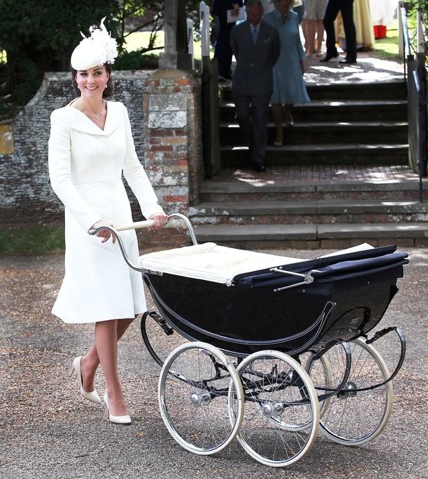 8 bo canh dep nhat nam 2015 cua cong nuong Kate Middleton hinh anh 4