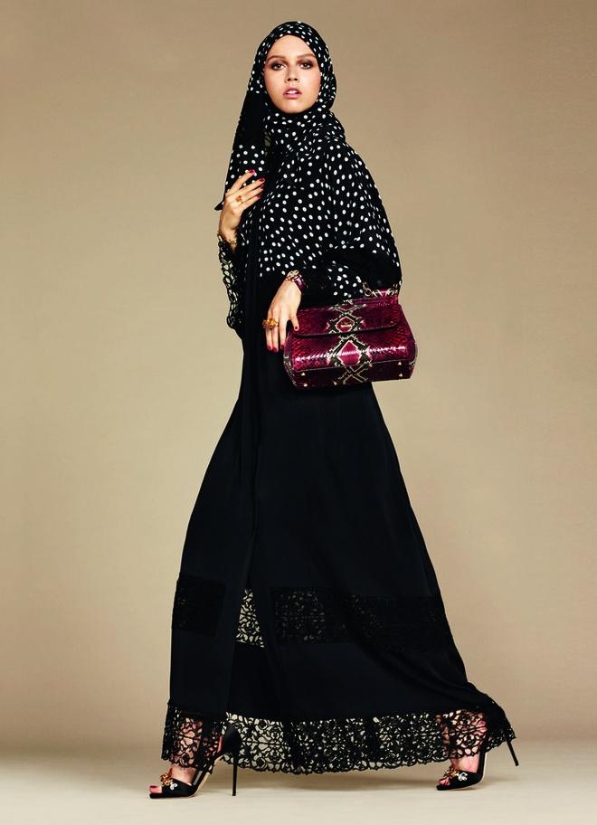 Dolce & Gabbana ra mat bo suu tap cho phu nu Hoi giao hinh anh 2