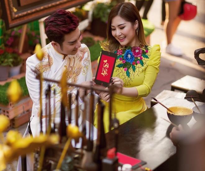 Quang Ha ru Huong Tram dao pho xuan hinh anh 5