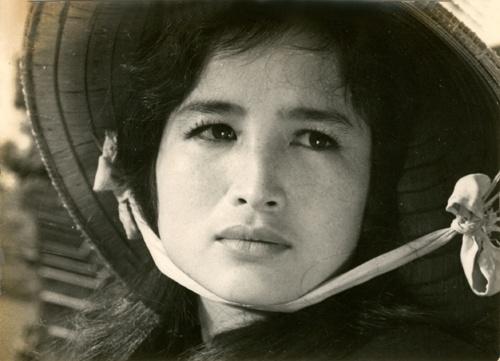 Nhung bieu tuong sac dep Viet lan dau lam nguoi mau hinh anh