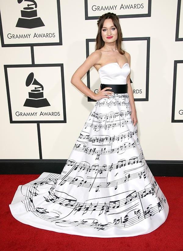 Nhung trang phuc quai di o Grammy hinh anh 7