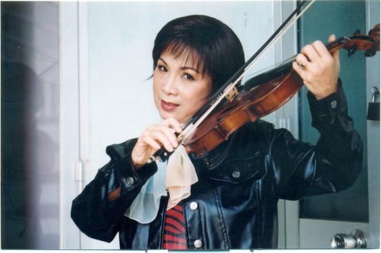 NSUT Kim Xuan bat mi chuyen tinh yeu hinh anh 2