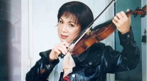 NSUT Kim Xuan bat mi chuyen tinh yeu hinh anh