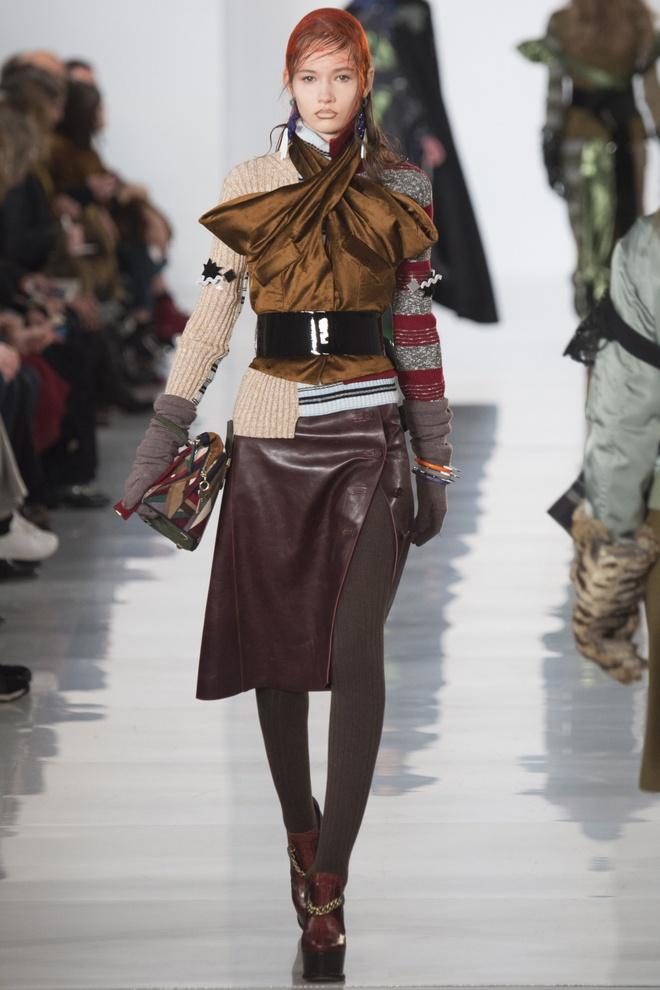Paris Fashion Week mo man voi nhung bo suu tap la mat hinh anh 12