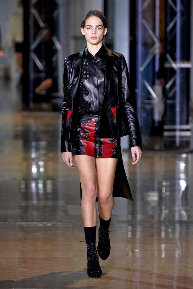 Paris Fashion Week mo man voi nhung bo suu tap la mat hinh anh 10