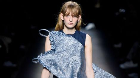 Paris Fashion Week mo man voi nhung bo suu tap la mat hinh anh