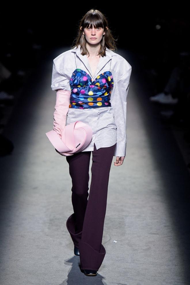 Paris Fashion Week mo man voi nhung bo suu tap la mat hinh anh 6