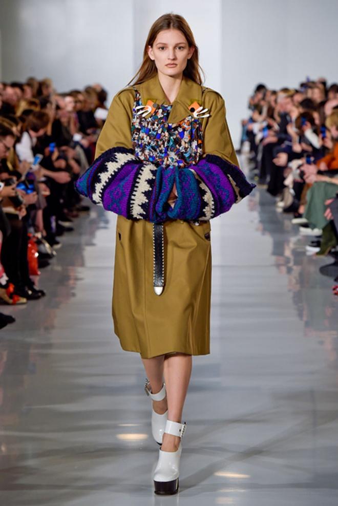 Paris Fashion Week mo man voi nhung bo suu tap la mat hinh anh 13