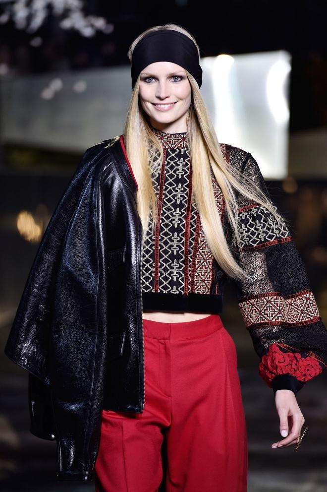 Nguoi mau vo ech o Paris Fashion Week hinh anh 8