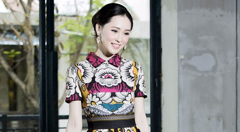 Thai Nhu Ngoc khoe dang voi vay hang hieu nghin do hinh anh