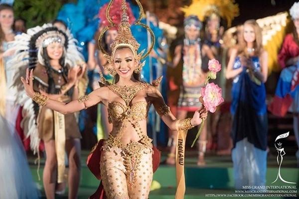 Vay da hoi cua Lan Khue o Miss World dep nhat 2015 hinh anh 6