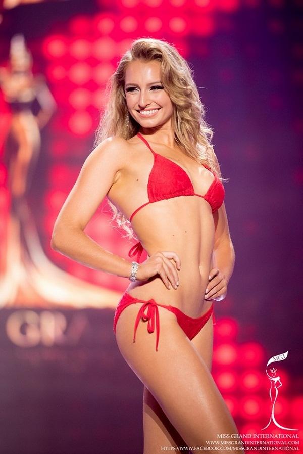 Miss Grand International bi tuoc vuong mien anh 2