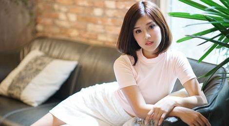 Hoang Yen Chibi tu tin khoe eo voi mot crop-top hinh anh