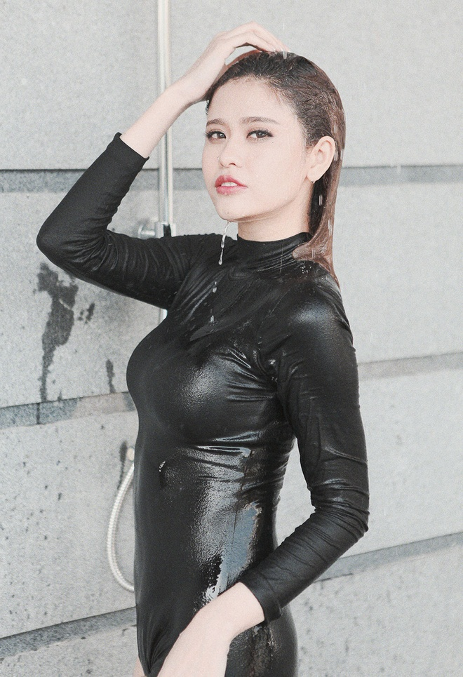 Truong Quynh Anh goi cam ben be boi hinh anh 2