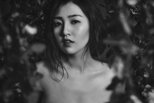 Cam Hoa hau Viet chup nude: 'Chi la chat ngon' hinh anh