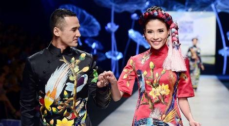 Vo chong Luong The Thanh catwalk doi o tuan le thoi trang hinh anh