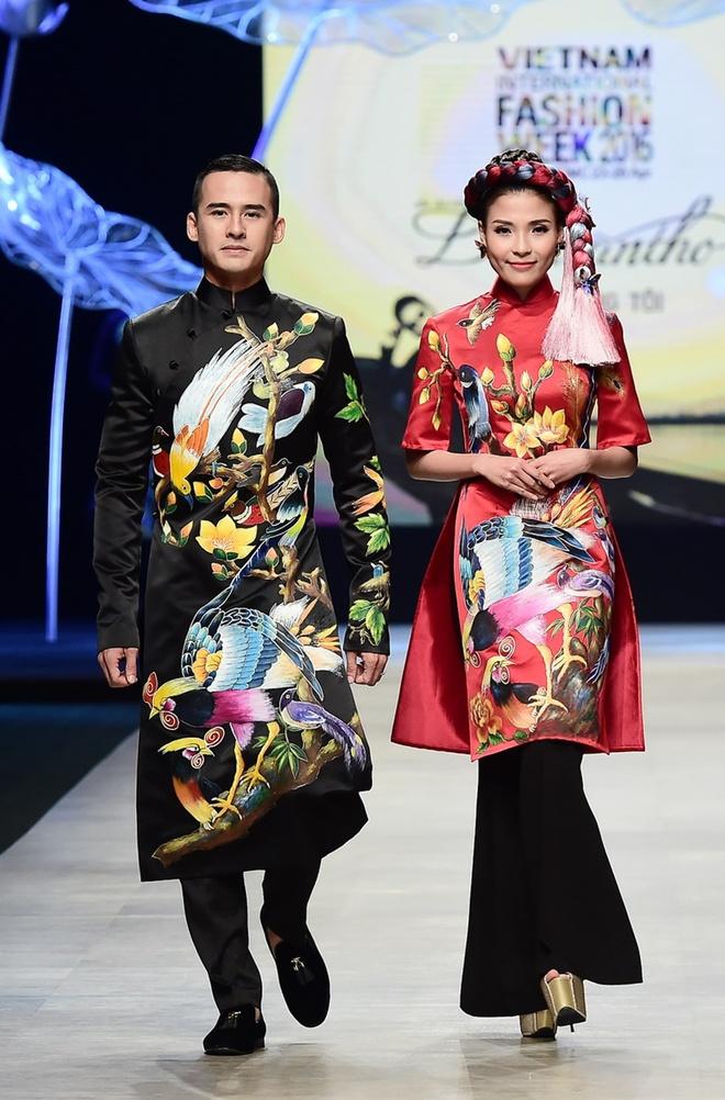 Vo chong Luong The Thanh catwalk doi o tuan le thoi trang hinh anh 1