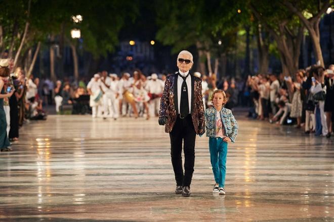 Vi sao Chanel to chuc show thoi trang xa xi o Cuba? hinh anh 1