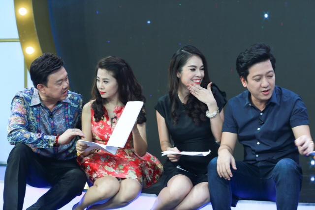 Truong Giang om chat Duong Cam Lynh tren san khau hinh anh 1