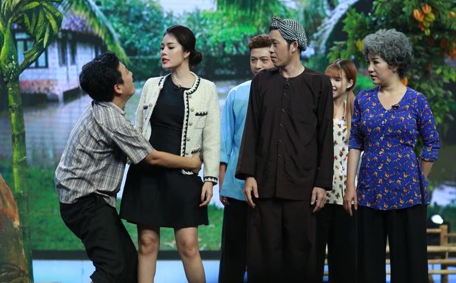 Truong Giang om chat Duong Cam Lynh tren san khau hinh anh 2